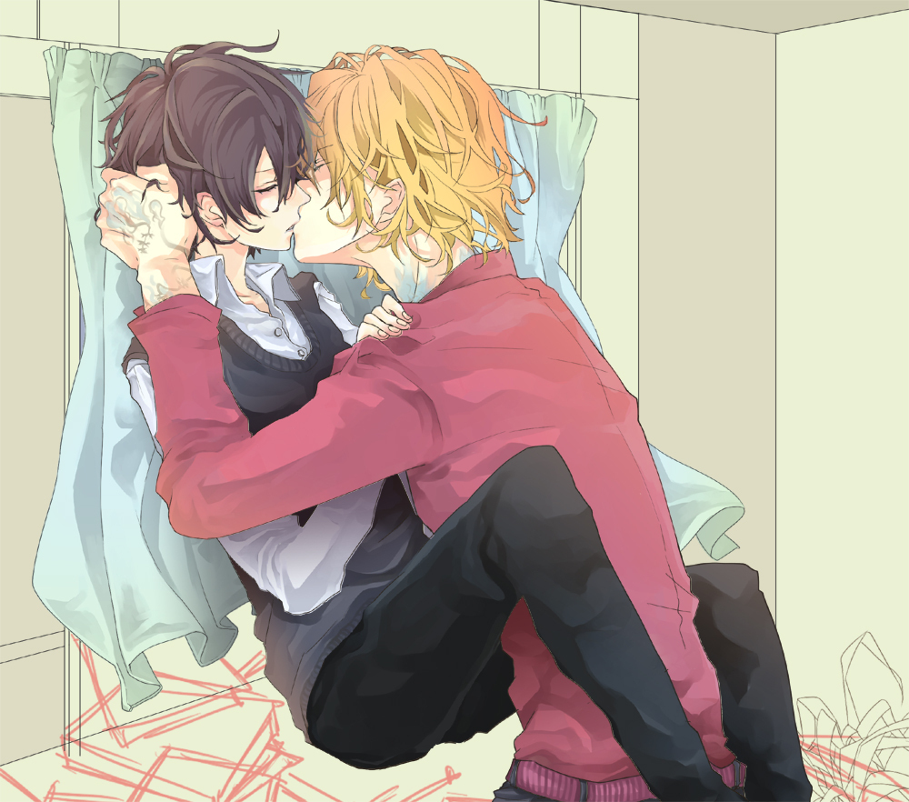 Kyoya Hibari and Dino kissing passionately on the pile of books by the window romantic boys love fanart blonde haired seme with neck and hand tattoos wearing a pink sweater kissing his boyfriend - Your lips taste like heaven katekyo-hitman-reborn-yaoi Yaoi avatars Tattoos Kissing - fanarts on yaoi-online.com